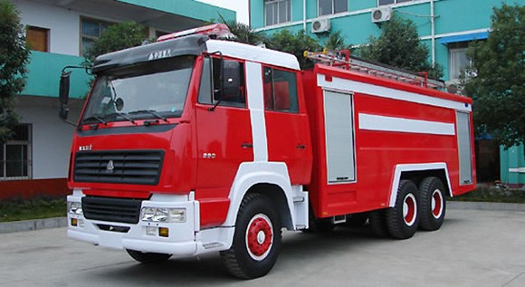 Steyr water tank fire fighting truck