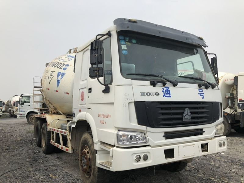 12m3 Used 340hp ZOOMLION-HOWO Concrete Mixer Truck