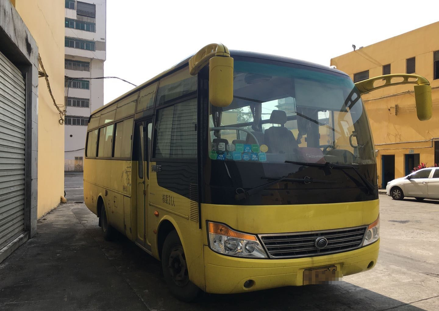 Middle Size Coach Second Hand , Used Bus And Coach 2012 Year With 31 Seats