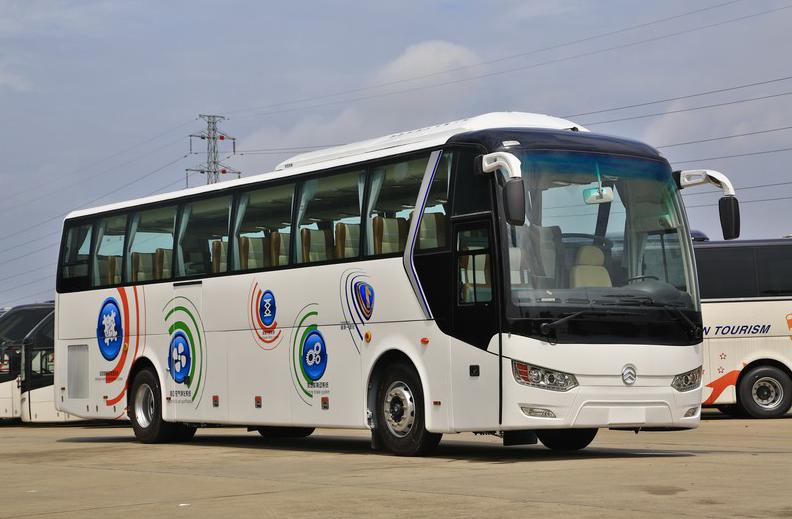 Xiamen Golden Dragon 47 Seats Second hand Used Coach Bus Diesel euro III Standard 2012 year